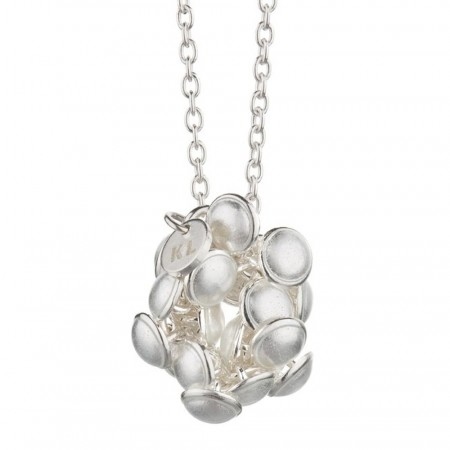 Seashell pendant white